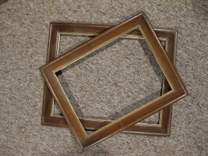 Refurbish Old Frames with Spray Paint